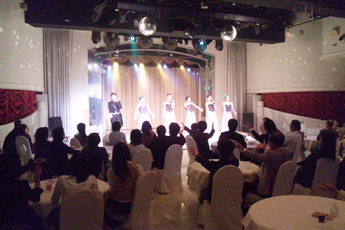 写真:(C)OSK日本歌劇団