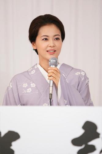 写真:吉本百年物語9月公演「焼け跡、青春手帖」に出演する黒谷友香=撮影・岸隆子