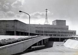 写真:建設初期のNHK放送センター