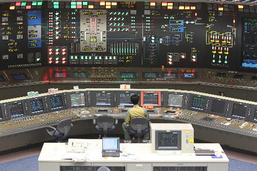 写真:浜岡原発5号機の中央制御室=26日午前、静岡県御前崎市、川津陽一撮影