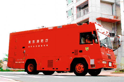 写真:福島第一原発に派遣された東京消防庁の特殊災害対策車=同庁提供