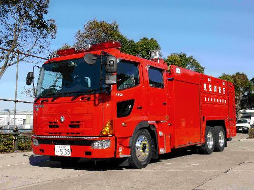 写真:福島第一原発に派遣された大型化学車=東京消防庁提供