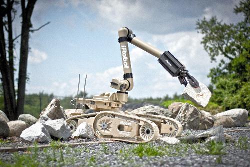 写真:アイロボット社のウォーリアー=同社提供
