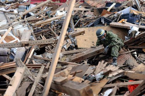 写真:自衛隊などによる捜索活動が続く宮城県東松島... 自衛隊などによる捜索活動が続く宮城県東松