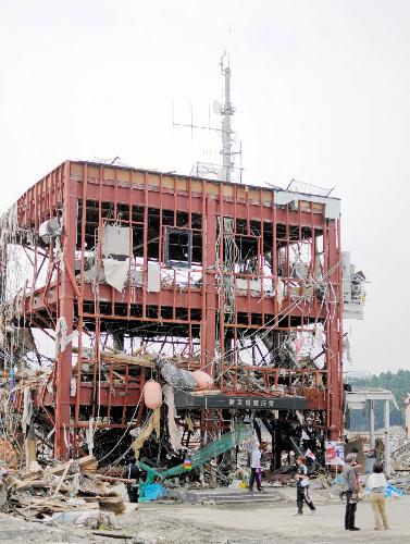 写真:津波で破壊された防災対策庁舎=20日、宮城県南三陸町、三浦写す