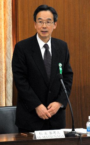 写真:国会原発事故調査委で参考人として発言する松永和夫・前経済産業事務次官=16日午後、国会内、仙波理撮影