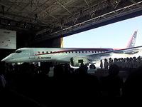 公開されたMRJ(ミツビシ・リージョナル・ジェット)の機体=2014年10月、愛知県豊山町