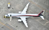 県営名古屋空港に姿を現した国産初のジェット旅客機・MRJ=2015年6月8日午前10時21分、愛知県豊山町、本社ヘリから、戸村登撮影