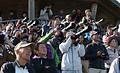 初飛行した国産初のジェット旅客機MRJを多くの人が見守った=11日午前9時37分、愛知県豊山町、吉本美奈子撮影
