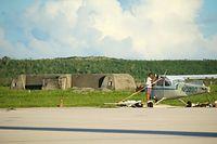 かつてアスリート飛行場と呼ばれたサイパン国際空港の滑走路脇に残されているトーチカ=8月27日、北マリアナ諸島・サイパン島、橋本弦撮影
