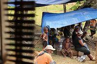 バラナ村の人たち=9月2日、ソロモン諸島・ガダルカナル島、橋本弦撮影