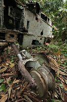 零戦の主脚部分=9月8日、ソロモン諸島・ガダルカナル島、橋本弦撮影