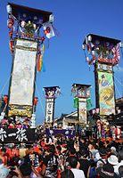 七尾の石崎奉燈。広場に6基のキリコが次々と集まり、乱舞した=2015年8月1日、七尾市石崎町、板倉吉延撮影