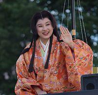 華やか百万石行列、お松の方役の菊川怜さん=2015年6月6日、金沢市、京谷奈帆子撮影