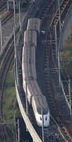 地震で脱線した九州新幹線の車両=15日午前7時22分、熊本市、朝日新聞社ヘリから、森下東樹撮影