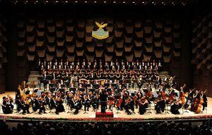 写真:フェニーチェ歌劇場による「ガラ・コンサート」で幕を開けたフェスティバルホール=10日夜、大阪市北区、森井英二郎撮影