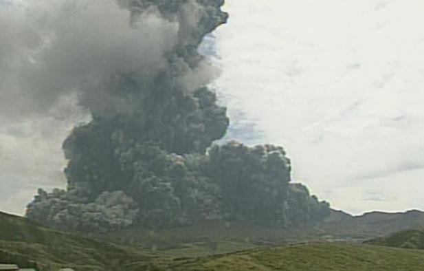 噴火した阿蘇山=気象庁提供