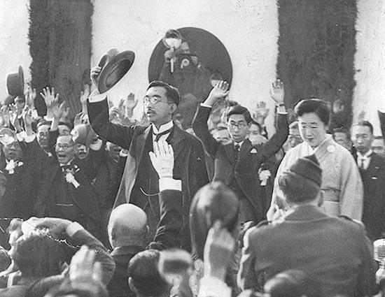 1章 新憲法と民主化-ビジュアル年表(戦後70年):朝日新聞デジタル