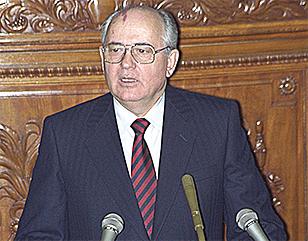 衆院本会議場で演説するソ連のゴルバチョフ大統領
