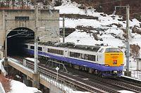 青函トンネルを出る485系リニューアル車の青森行き白鳥22号。2002年の誕生以来、青森と函館を結んできた特急「白鳥」は北海道新幹線に役目を引き継ぎ、3月21日限りで姿を消す=2016年2月29日