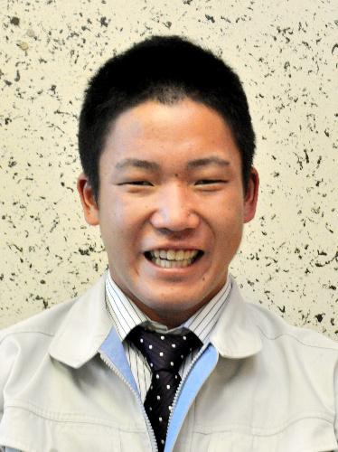 写真:松井飛雄馬選手=広島市西区