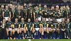 記念撮影をする南アフリカの選手たち=ロイター