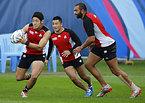 練習に励む(左から)藤田、日和佐、リーチ=ロイター