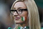 アイルランドのサポーター=ロイター