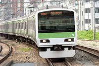 E231系=JR東日本提供