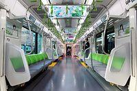 山手線の新型車両E235系の車内=30日午後、東京都品川区、林敏行撮影