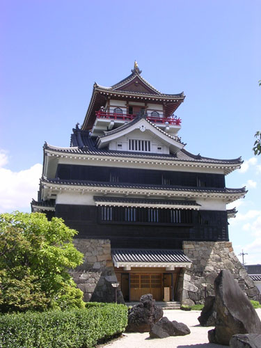 写真:再建された「清洲城天主閣」