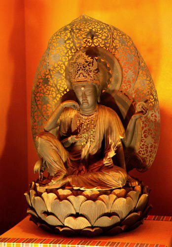 写真:藤原鎌足公をご祭神として祀る談山神社の秘仏・如意輪観音像。談山神社は、神仏分離以前は「多武峯寺」または「多武峯妙楽寺」と呼ばれる寺院だった
