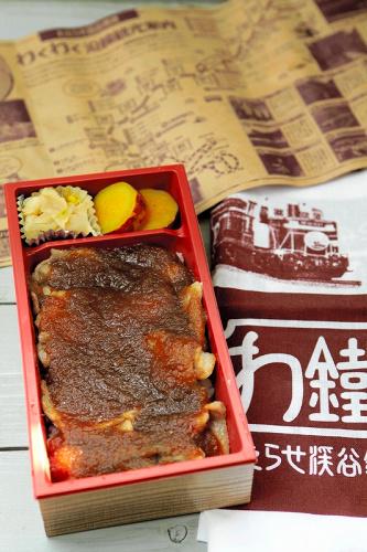 写真:レストラン清流のやまと豚弁当