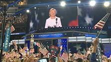 クリントン氏「愛は憎悪に打ち勝つ」 指名受諾演説