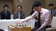 井山名人、3連勝でタイに 囲碁名人戦、決着は最終局へ