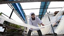 寒そうめん作り、最盛期 熊本・南関の特産
