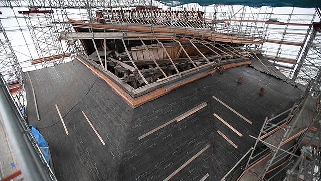 熊本地震で倒壊の阿蘇神社の楼門、解体工事現場を公開