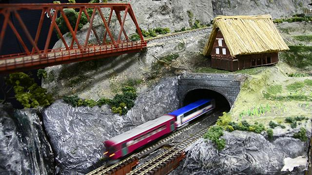 岐阜)鶯谷中高生の鉄道ジオラマを展示 25日から