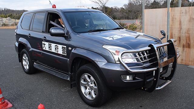 カーチェイス対策、大阪府警が遊撃車配備 ランクル改造