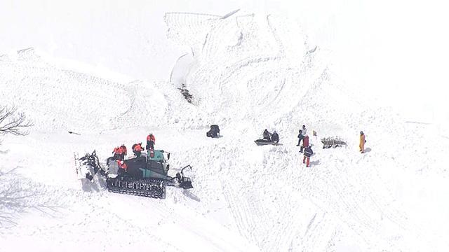 ドローンで雪崩の状況調査 8人死亡、県警が特別捜査班