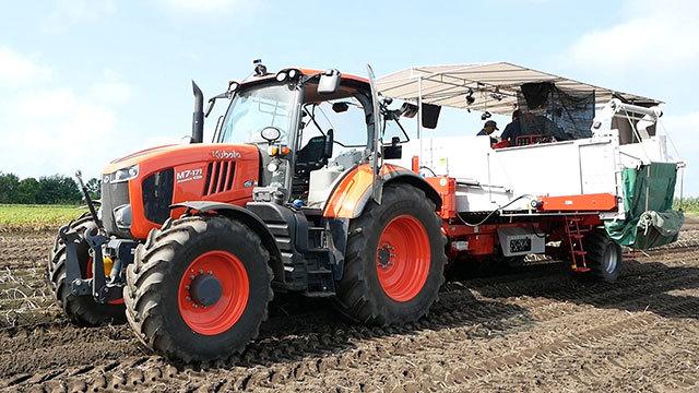 無人トラクターでジャガイモ収穫 北海道?十勝で実験