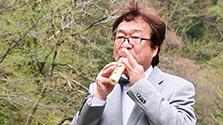 鳥取)とうふちくわのフルート奏者 河下哲志さん
