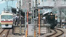 秩父鉄道のSL、西武秩父駅に初入線 300人乗せ走る