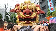 700キロの獅子頭、練り歩き 東京・築地
