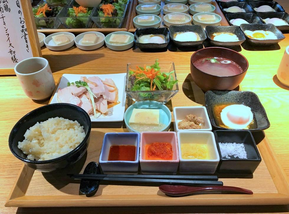 海南チキンライスを大山鶏でジューシーに「小料理はなれ」(東京・五反田)