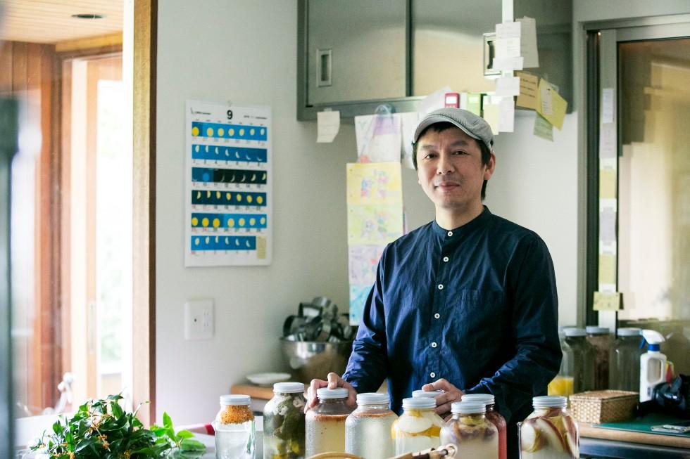 酵母も手作りするパン職人・星野太郎さん<br>季節を味わえる「畑のコウボパン タロー屋」