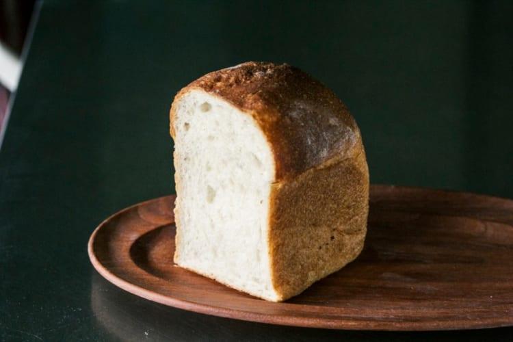 ラ・フランス酵母の食パン480円(1/2斤)