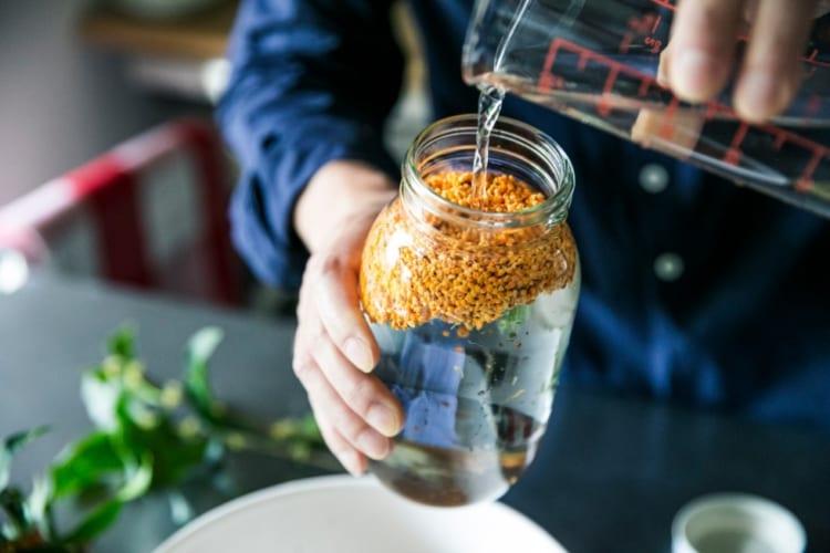 基本的に酵母は、素材と水のみで作られる