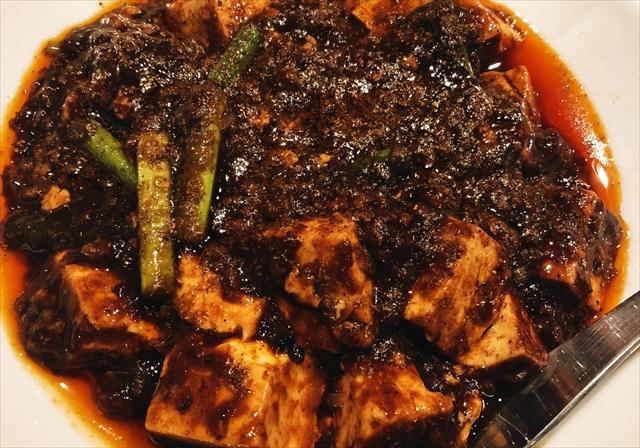 食べれば必ず汗だく、でも笑顔になれる「正宗麻婆豆腐」