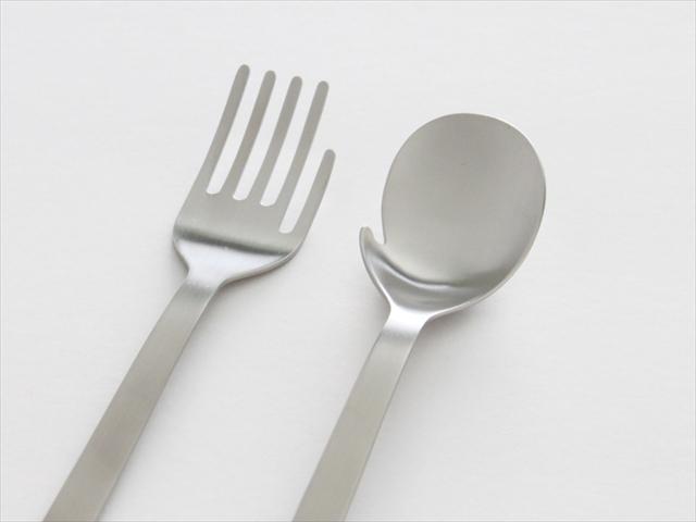 """2本の""""手""""で食べよう! テーブルを楽しくするハンドフォーク&ハンドスプーン"""
